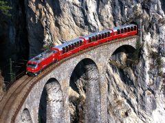 rhätische-bahn over het Landwasser Viaduct