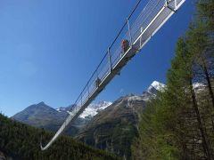 Zwitserland: langste voetbrug van Europa na de Europahutte