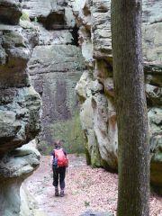 Wandelen tussen de rotstorens in de Teuffelschlucht