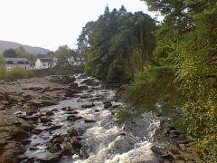 Rob Roy Way: de Falls of Dochart bij Killin
